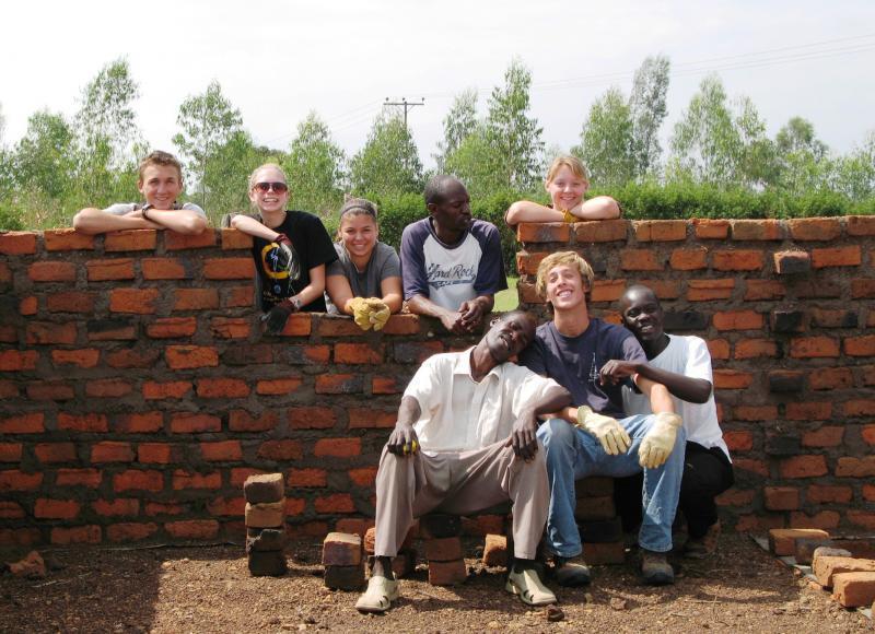 Universal Giving, universalgiving, volunteer abroad, volunteer vacation,
