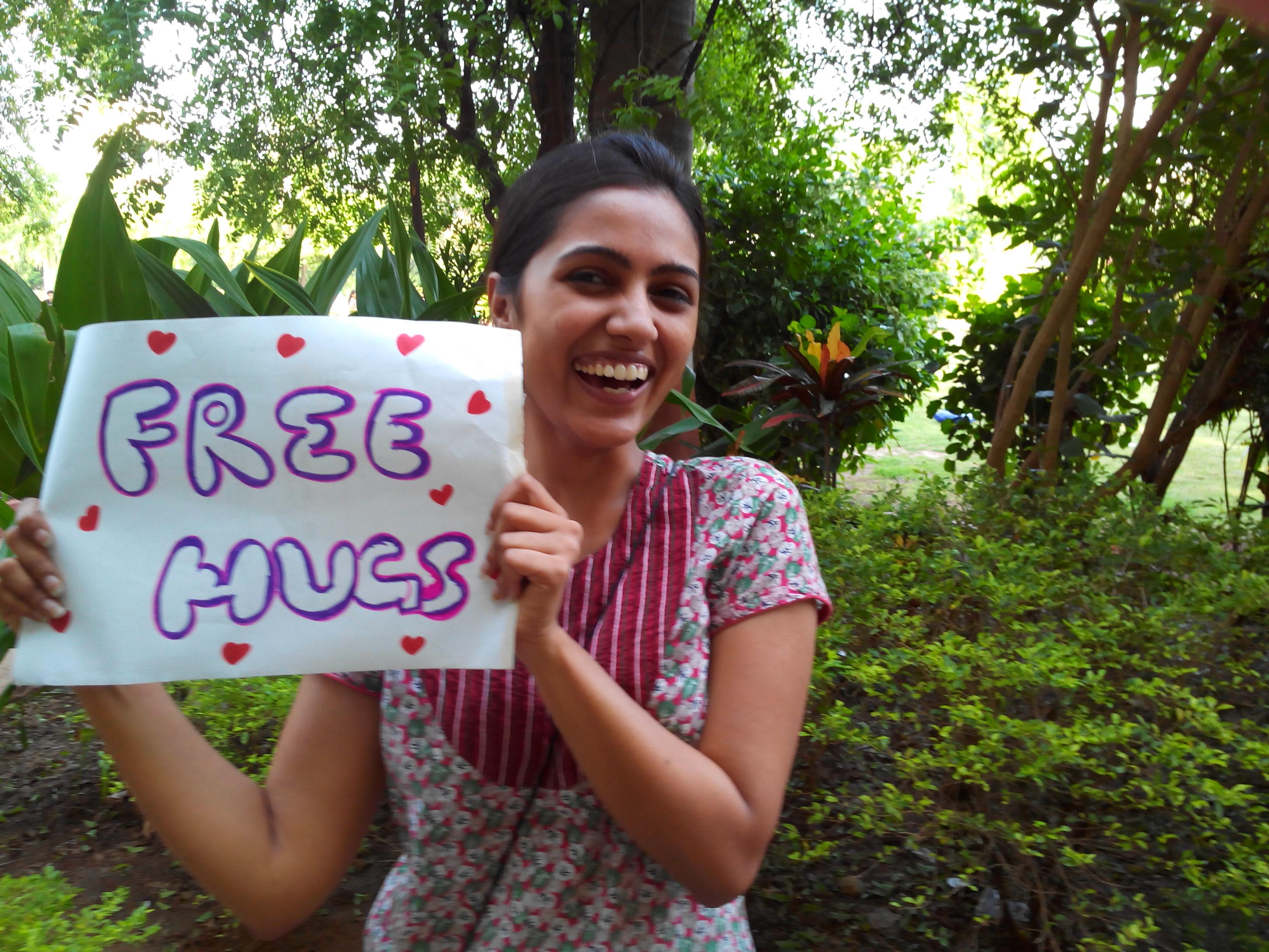 Free Hugs Campaign - Vadodara (1)