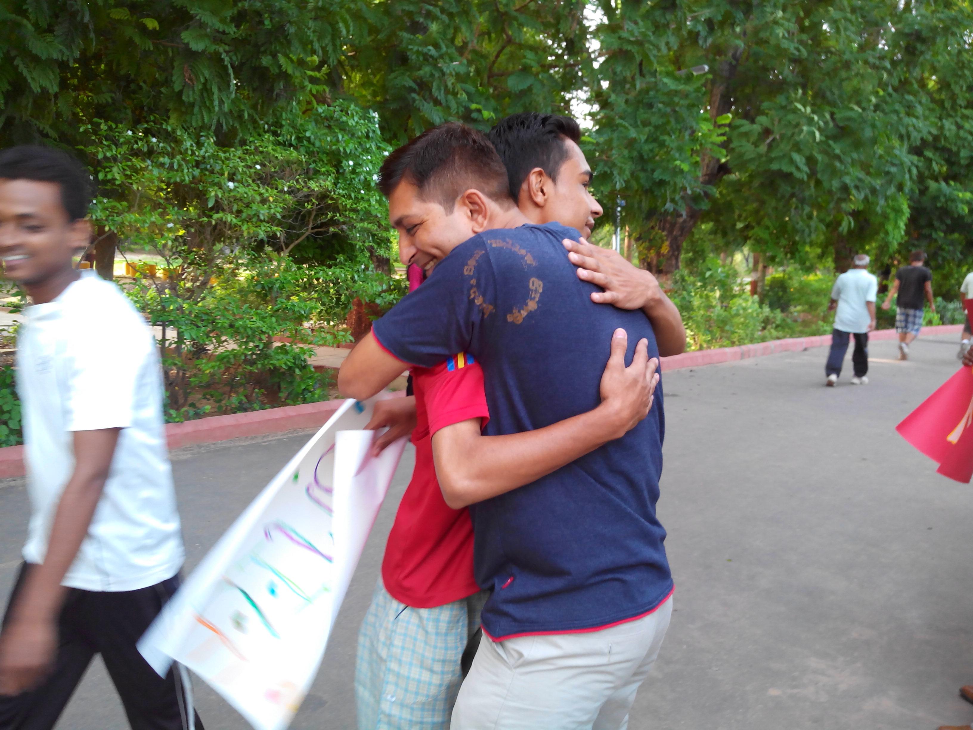 Free Hugs Campaign - Vadodara (5)