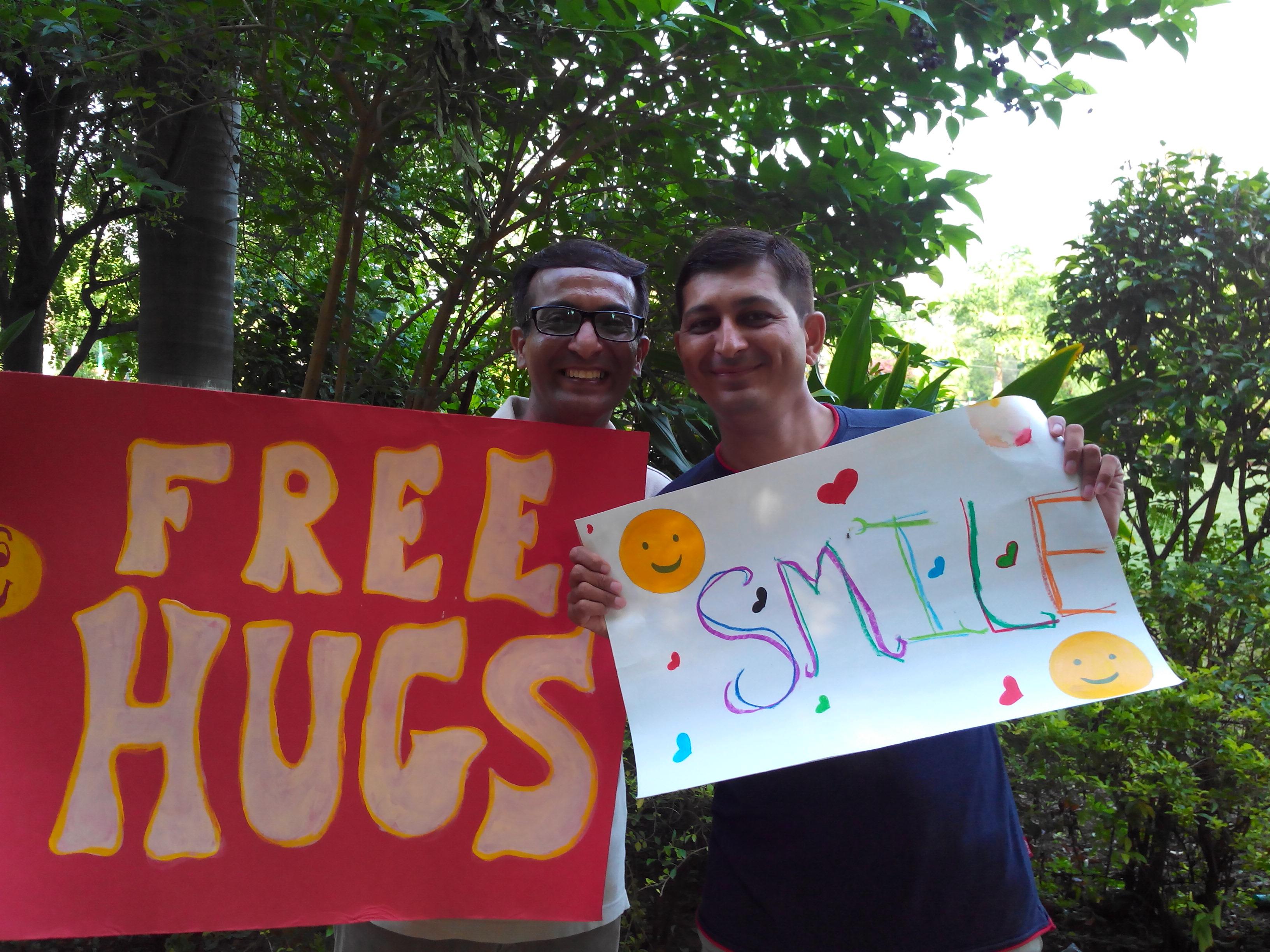 Free Hugs Campaign - Vadodara (7)