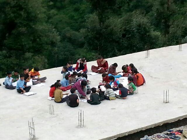 Volunteer in Uttarakhand, volunteering in Uttarakhand, How to volunteer in Uttarakhand after floods, volunteering as a remedy, volunteering is good for health, volunteering good for health