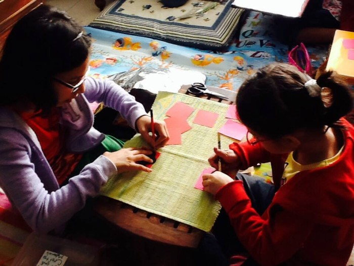 teamwork, teaching children to work together, #artwithheart, art with heart, craft activities with children, volunteering with children, parenting and volunteering